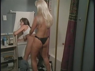 Go to the powder-room Strap-on action - Devinn