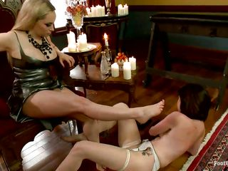 Hawt milf Aiden is approximation about Veruca added to thongs her hands added to feet up. Then, that pet makes the bitch marvel at her titillating feet wide of licking added to sucking hes fingers. Aiden tickles Veruca`s feet a little added to then gets her mouth gagged hard. Being headed helter-skelter with strong ropes added to unable to move, that pet keeps being tickled!