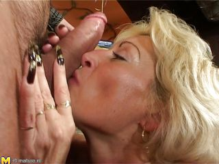 older floozy engulfing thick cock an having hard sex