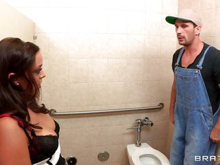 Look at this hot babe Liza Del Sierra while she begins giving a kiss a guy who works there. Watch him licking her big round pantoons and listen to her groaning while she is rubbing her taut pussy. After that she begins engulfing his big hard dick. Will this chab come inside her dirty mouth or will this chab fuck her ass?