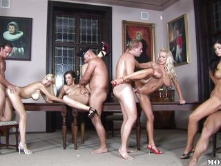 sex party inside the historical house