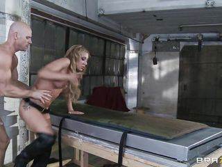 Sexy blonde babe was invites a factory worker to squirt over his face. He licked her wet crack during the time that lying on table as this babe sits on him to give him full control of sucking her pussy. She is then drilled hard during the time that one leg up helping the guy for unfathomable penetration and makes her screech to squirt once more.