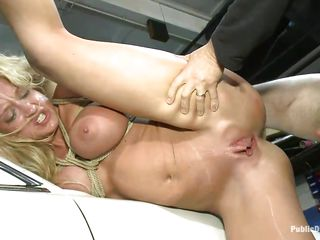 leya falcon gets ravaged by white knob