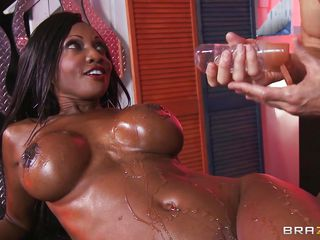 diamond jackson oiled up and willing to go!