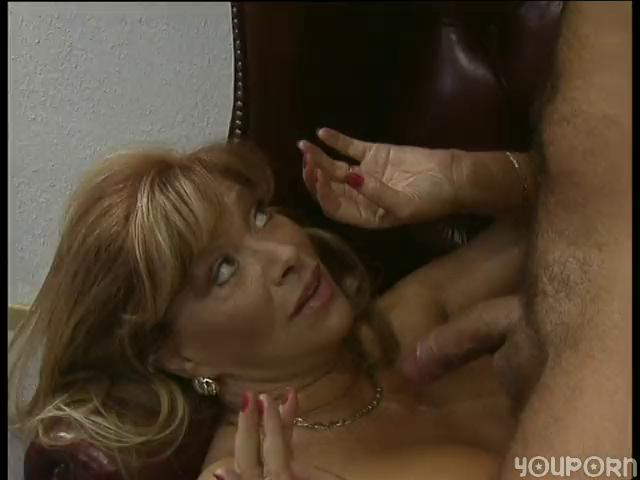 German MILFS brim-full
