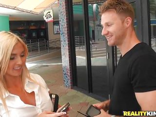 hawt blond hunted down by horny guy!
