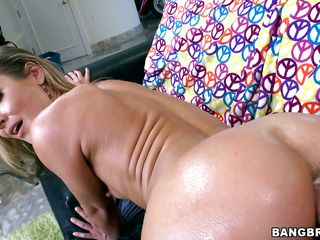 Sheena Shaw loves anal sex and that babe masturbates with a vibrator in a car before taking the real think in her. Look at this sexy slut engulfing the guys big hard cock before taking it in her big sexy booty, groaning with pleasure as he inserts his penis deeper and deeper in her anus. Will that babe receive some sexy jizz in her asshole?