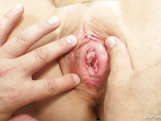 brunette mature with tight muff at her gynecologist