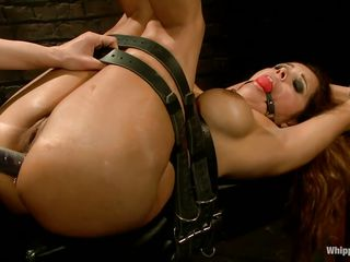 hop francesca le gets pleasured by maitresse madeline