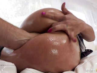 Hot Lalin girl Felony has a wonderful big ass, and it's getting indeed oiled up. Cooking oil it looks like. This babe gets oil squirted deep in her ass, and squeezes it out while getting her bunghole and cum-hole fingered. You can't acquire more lubed up than this!