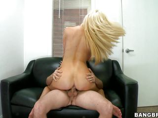 knelt blonde expecting be advantageous to her reward