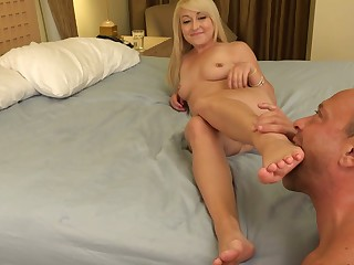 Valerie White Sucks that Dick Approving and Gives a Footjob