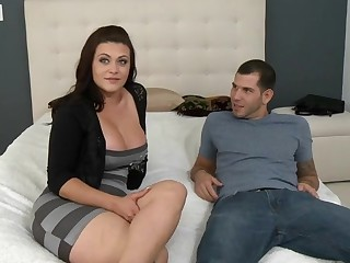 Messy-minded mother I'd like to fuck implements her dreams during sex