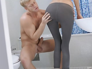 Blond loves to fuck her pauper in the bathroom