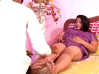 Hot Busty N.Indian Aunty's Significant Boobs Nipple Flounder
