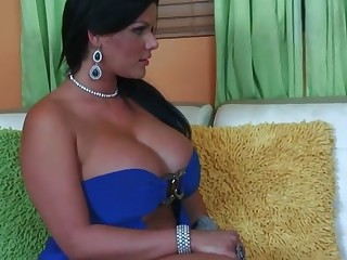 Chubby Angelina Castro loves the connection of rods