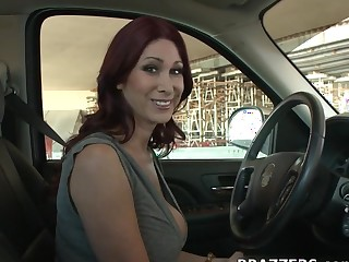 Milfs Like redness Big: MILF Huntress