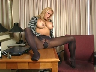 Bob love melons golden-haired babe fingering into her own pussy !