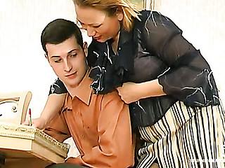 Sara&Jerome leggy mamma on clip