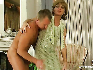 Sexy mother i'd like to fuck getting the smack of forbidden temptation to fuck with younger fellow