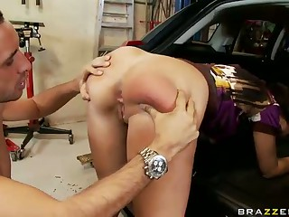 Nuisance All round Frowardness In The Garage with Kelly Divine