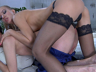Horny for a schlong fuck chap sweet-talks a mind boggling playgirl into pervy role play