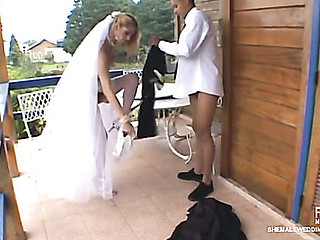 Sex-addicted shemale bride taking sheer pleasure from her unusual wedding