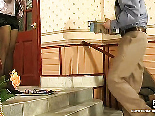 Hawt mother i'd equivalent hither to fuck exposes her cum-hole for real inspection of well-hung policeman
