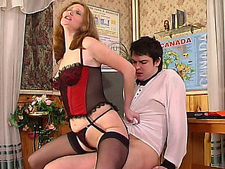 Bossy babe in full-fashioned nylons handling a guy like her humble servant
