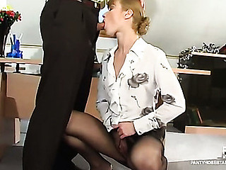 Diana&Lesley videotaped whilst pantyhosefucking