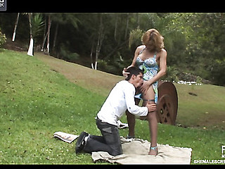 Adrielly&Lucas ardent transsexual action