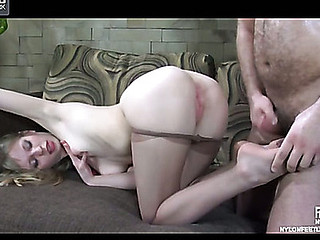 Paulina&Lesley nylon footsex move