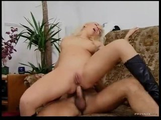 Chick in hibernate boots in a sexy double penetration
