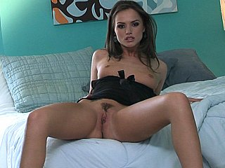 Gorgeous Tori Black spreading legs