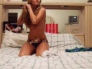 Frisky make obsolete lawful age teenager plays around on selfshot vid