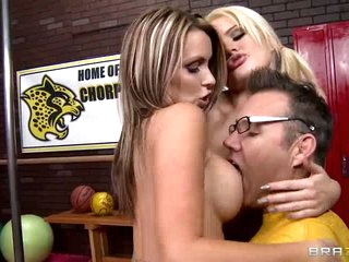 Cheerleaders Courtney Cummz and Alexis Ford have a new mind-blowing performance. They show it to football coach. They widen their butt cheeks and bare their big boobs right in front of him before he stuffs their juicy fuck holes.