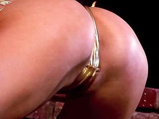 Holly Wellin object her anal frayed off