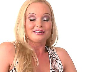 Evette and arousing Silvia Saint are enjoying a grea private lesbo softcore jointly
