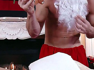 Johnny Sins organizes dirty Christmas rub down with seductive Marie McCray