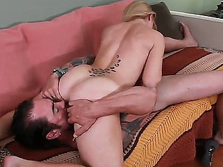 Hunk Dale Dabone along his hottie blonde Elizabeth Bentley are having a wild fuck