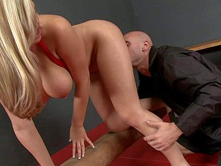 Dayna Vendetta is a leader sexy big titted gymnast with