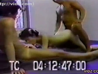 Wild asian bitch gets dirty with two fellows in sleazy trio