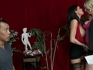 Emma Starr and Veronica Avluv invites