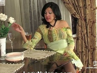 Laura&Rosa peppery hot nylon action