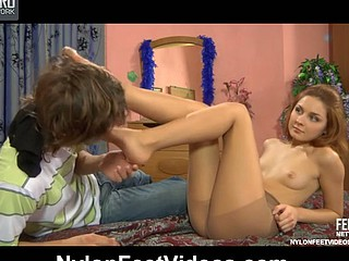 Stephanie&Robin fantastic nylon feet act