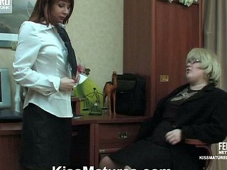 Big grey affaire d'amour woman and female co-worker getting down into lesbo