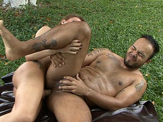 Nicole&Mateus shemale dicking alms-man on video