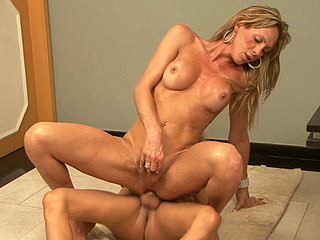 Alexia&Dani tranny copulates sheboy movie