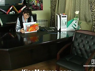Juvenile secretary spread on the desk wits a hungry be advisable for new cum-hole lesbo mother i'd like to fuck