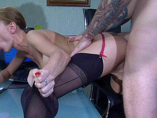 Nasty office playgirl in seamed stockings sucks her sex-toy and acquires nailed down